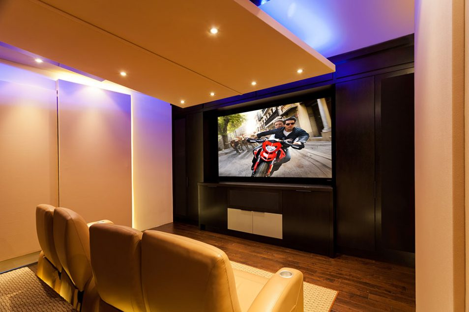 Maxicon Home Theater