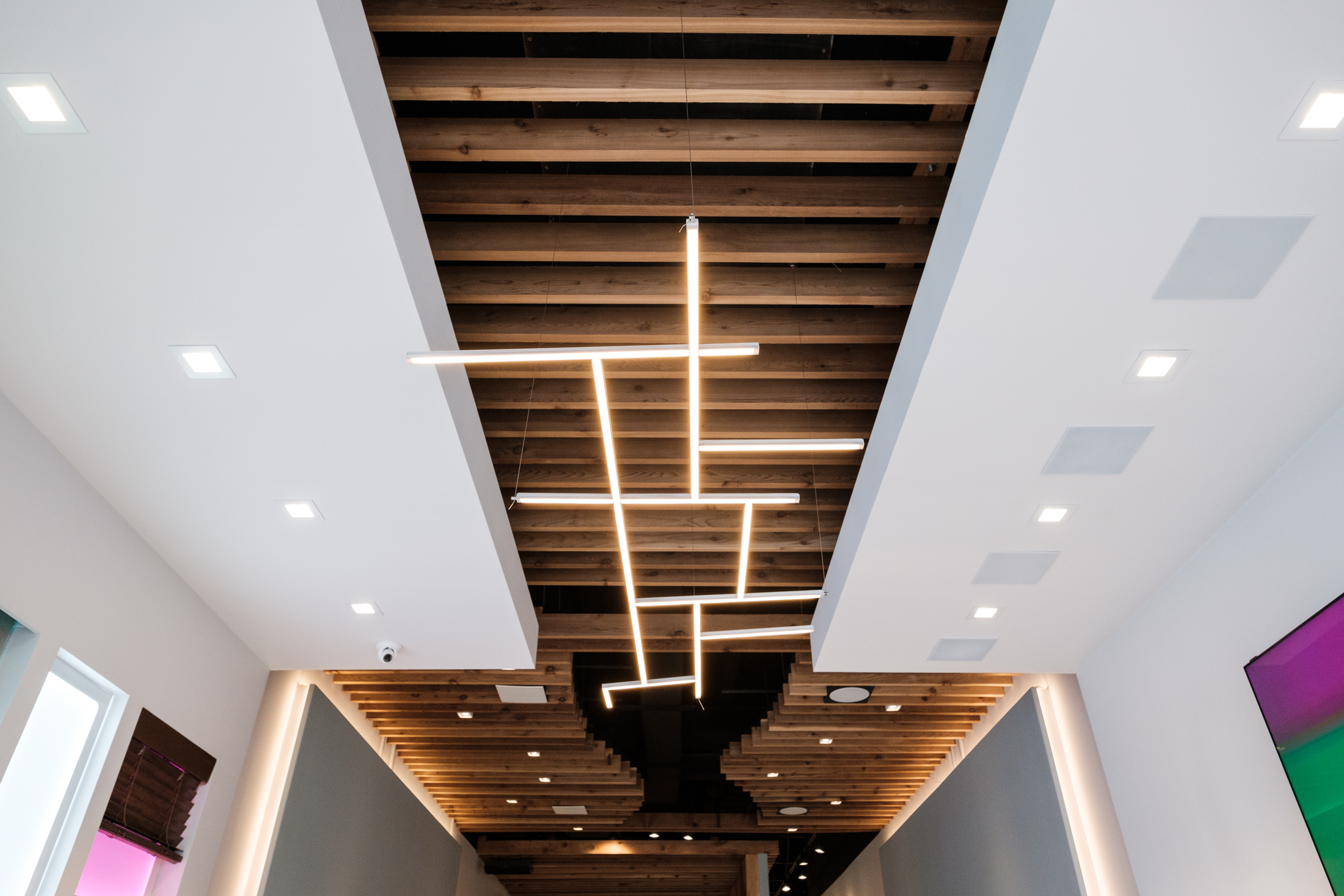 Maxicon showroom ceiling speakers and lighting