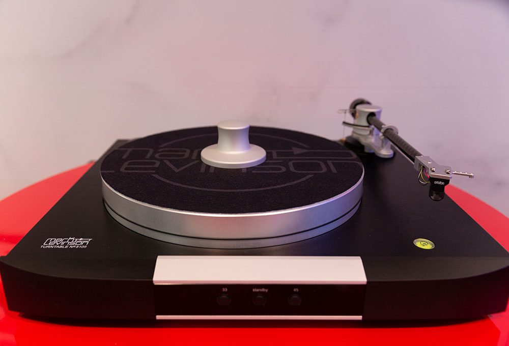 Mark Levinson No.5105MC turntable