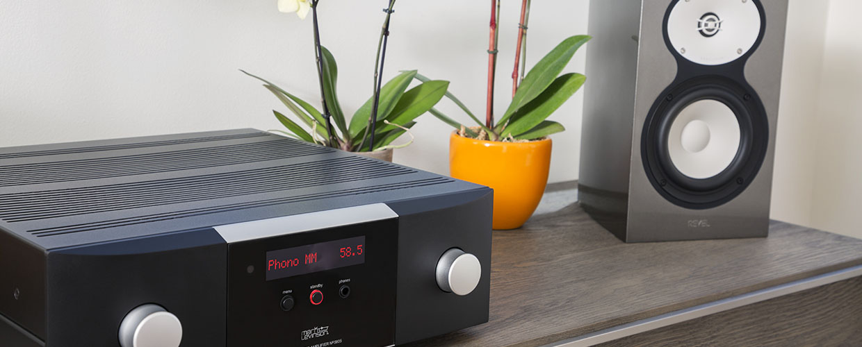 Mark Levinson No5805 with bookshelf speaker